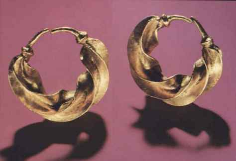 Flanged Gold Earrings, Castlerea, Co Roscommon