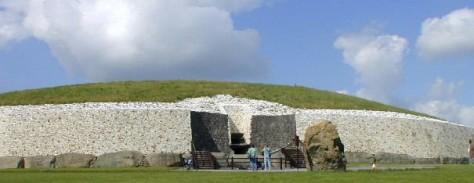 Newgrange Facade